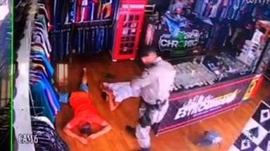 Empresária vê movimentação estranha, chama a PM e impede roubo em loja; vídeo - Situação ocorreu em Senador Canedo.