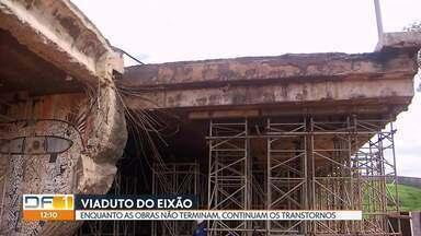DER notifica empresa responsável por obras no viaduto do Eixão - De acordo com o diretor do DER, Márcio Buzar, os operários não estão cumprindo os horários previstos no contrato. Ainda assim, o DER mantém o prazo de entrega das obras: março de 2019.