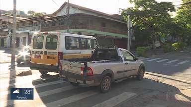 Moradores do Vera Cruz reclamam de cruzamento perigoso - A Rua Leopoldo Gomes é uma das principais vias de acesso ao bairro Vera Cruz, na região Leste da capital. Quem mora no local reclama do perigo do cruzamento com a rua Jequitinhonha.