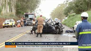 Estudantes que viajavam para fazer provas do Enem morrem em acidente - Cinco pessoas morreram no acidente que envolveu três veículos