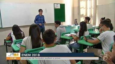 Alunos de Santarém avaliam questões do segundo dia do Enem 2018 - Momento foi para verificar os possíveis erros e acertos no maior vestibular do Brasil.