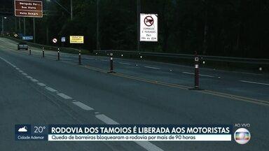 Rodovia dos Tamoios é liberada após 90 horas de interdição - Barreiras fecharam a serra nos últimos dias. Trabalho de limpeza terminou ontem.