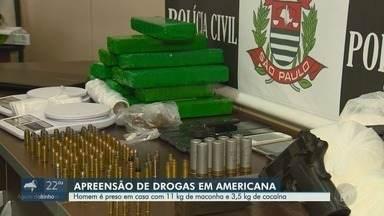 Jovem é detido com 11 kg de maconha e 3,4 kg de cocaína dentro de casa em Americana - Munições, duas armas, uma pedra de crack e R$ 2,5 mil também foram apreendidos no local. Suspeito estava sob investigação há dois anos.