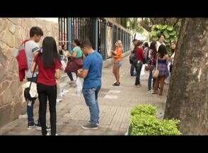 Correria e tensão no segundo dia de provas do Enem - Candidatos fizeram as provas neste domingo (11).