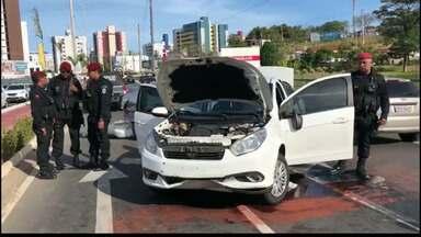 JPB2JP: Perseguição termina com acidente e 2 presos em João Pessoa - Presos estavam com carro roubado.