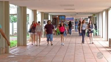 Acadêmicos denunciam possíveis irregularidades no sistema de cotas na UFMS - Eles reclamam sobre a concessão de vagas por esse critério no campus de Campo Grande.