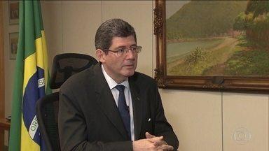 Bolsonaro confirma que Joaquim Levy será presidente do BNDES - O anúncio foi feito depois de uma reunião entre o presidente eleito e o futuro ministro da Economia, Paulo Guedes. Segundo nota da assessoria de imprensa de Guedes, Joaquim Levy aceitou o convite.