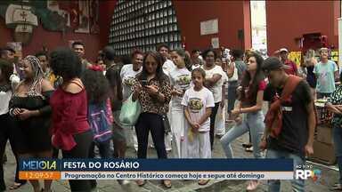 Festa do Rosário movimenta o centro histórico de Curitiba - Festa começou nesta quinta e vai até domingo.