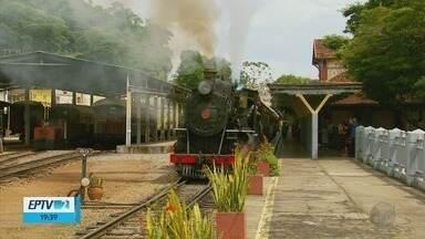 Após quase um mês, passeios do Trem das Águas são retomados em São Lourenço (MG) - Após quase um mês, passeios do Trem das Águas são retomados em São Lourenço (MG)