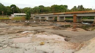 Piscinas naturais estão sendo feitas no Parque do Jordão - Obras da barragem do rio fizeram com que a água fosse embora.