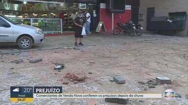 Rua Doutor Álvaro Camargos, em Venda Nova, foi uma das mais prejudicadas pelo temporal - Uma adolescente de 16 anos desapareceu em meio à enxurrada.