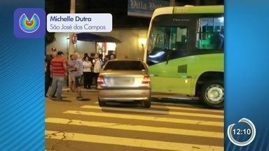 Mulher morre em acidente entre carro e ônibus em São José - Ela era passageira de um carro. Acidente foi na avenida João Guilhermino.