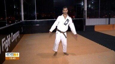 Lutador de Jiu Jitsu vence dificuldades e dá aulas de graça - Wesley tem paralisia e chegou a receber ajuda para conseguir competir.