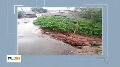 Deslizamento atinge uma casa em Araras, em Petrópolis, no RJ - Assista a seguir.