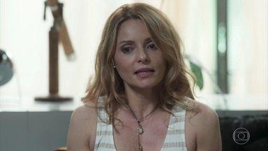 Valéria diz para Márcio e Rafael que tem uma notícia bombástica - Márcio fica aflito achando que a mãe tem alguma doença grave