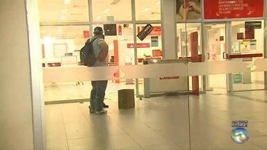Criminosos assaltam malotes de agência bancária no Centro de Caruaru - Na ocasião, houve tiroteio.