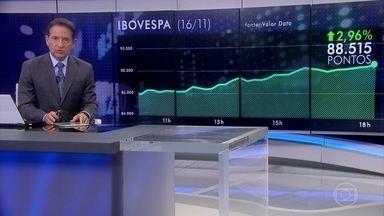 Ibovespa fecha em alta após indicação de Campos Neto para o Banco Central - O dólar registrou queda de 1,28%, vendido a R$ 3,74.