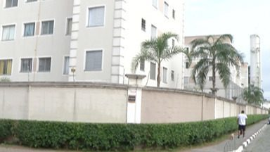 Insegurança afeta rotina de moradores da Vila Urupês em Suzano - Comerciante já foi assaltado mais de 20 vezes.