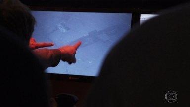 Submarino argentino que desapareceu há um ano implodiu, dizem autoridades - O submarino Ara San Juan desapareceu há um ano com 44 tripulantes no extremo Sul das Américas. Foi encontrado numa depressão a 907 metros de profundidade, a 15 quilômetros do ponto onde fez o último contato.