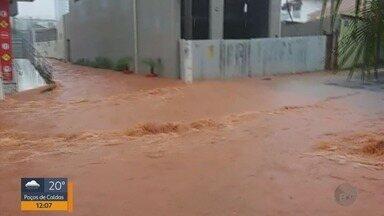 Moradores reclamam dos estragos causados pelas chuvas em Pouso Alegre - Moradores reclamam dos estragos causados pelas chuvas em Pouso Alegre