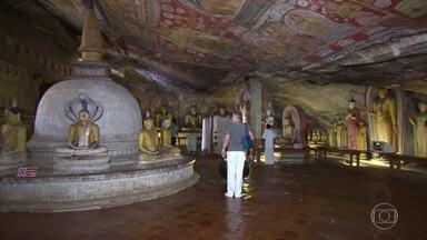 Grandiosas cavernas no Ceilão guardam mais de 200 estátuas de buda - Lugar fé e muita paz, o conjunto de templos é considerado patrimônio mundial da UNESCO e foi construído por um rei há dois mil anos.