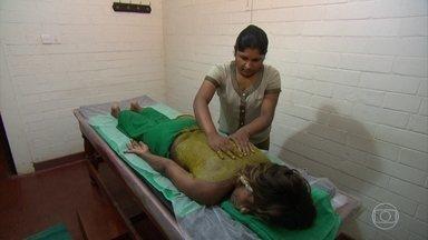 Glória Maria experimenta o segredo da medicina ayurvédica - Repórter mostra como um sistema de saúde público funciona da mesma forma há cinco mil anos no antigo reino do Ceilão, atual Sri Lanka.