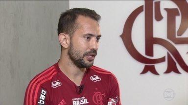 """Everton Ribeiro reafirma esperança por título brasileiro, mas diz: """"É difícil"""" - Everton Ribeiro reafirma esperança por título brasileiro, mas diz: """"É difícil"""""""