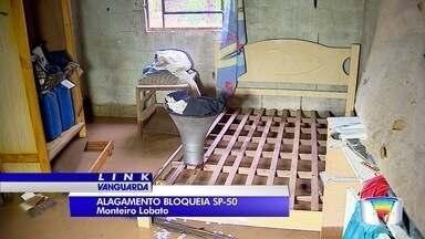 SP-50 é liberada após interdição por causa de alagamentos em Monteiro Lobato - Houve registro de uma interdição parcial no km 98 e um bloqueio total no km 120, já no trecho de Monteiro Lobato. Via foi liberada às 9h30.