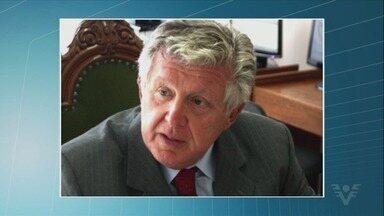 Amigos e parentes se despedem de Mauro Lúcio Alonso Carneiro, que morreu aos 77 anos - Ele era um dos mais importantes advogados da região especialista em direito previdenciário.