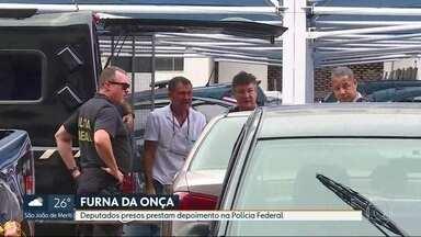 Deputados presos prestam depoimento na Polícia Federal - Jorge Picciani, Paulo Mello e Edson Albertassi foram alvo na operação Furna da Onça, que prendeu outros sete deputados.