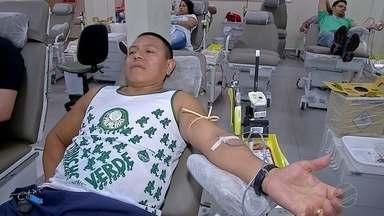 Domingo foi dia nacional do doador de sangue e do título brasileiro do Palmeiras - O Globo Esporte convidou o professor Carlão, para acompanhar a comemoração dos palmeirenses de um jeito diferente e bem especial.