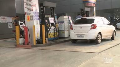 Postos reduzem preço de combustível em Imperatriz - Apesar da diminuição no valor, alguns consumidores ainda não conseguiram perceber a diferença no bolso.