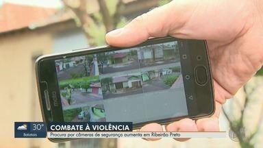 Procura por câmeras de segurança cresce em Ribeirão Preto, SP - Em uma das lojas, venda de equipamentos cresceu três vezes. Moradores tentam se prevenir da violência na cidade.
