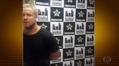 Norueguês é preso em flagrante após assediar uma mulher no Rio de Janeiro - A lei que transformou a importunação sexual em crime começou a valer em setembro. A vítima disse que Esper Peterson passou a mão na cintura dela até o bumbum. Policiais perceberam e o estrangeiro foi preso em flagrante.