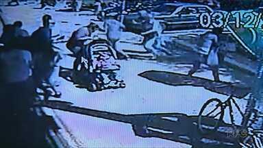 Câmeras mostram correria durante tiroteio em Rolândia - Uma pessoa morreu e seis ficaram feridas.
