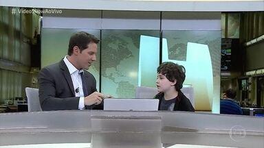 Menino de 8 anos quer ser jornalista - Menino conhece redação do Jornal Hoje em São Paulo