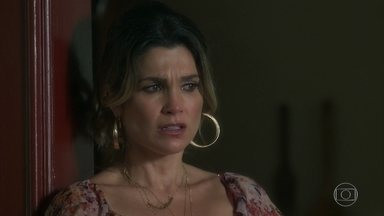 Rita fica chateada por Joubert não aceitar a fantasia dela - Rita está indignada por Joubert não deixa-la nadar nua na cachoeira