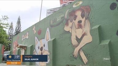 Estudantes fazem homenagem para cão morto em SP - Estudantes fazem homenagem para cão morto em SP