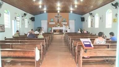 Comunidade Caiçara de Iguape realiza uma das festas mais tradicionais da cidade - Comunidade de Icapara tem um almoço comunitário na Paróquia.