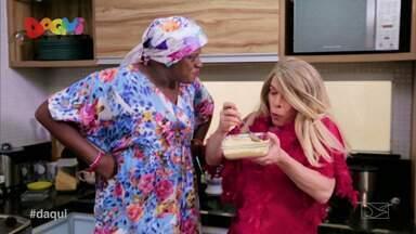 """Pão com Ovo apresenta episódio """"Levar um Prato"""" - No quadro desta semana Clarisse e Dijé se reúnem para fazer uma tiquara que agradou muito Clarisse ao prová-la."""