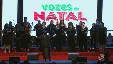 Vozes de Natal emociona público em Votorantim - O projeto 'Vozes de Natal' emocionou os moradores de Votorantim (SP), na noite desta sexta-feira (8).