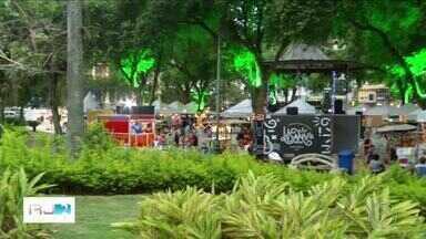 Jardim do Liceu, em Campos, RJ, tem festival de Natal - Assista a seguir.