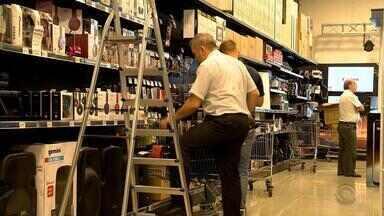 Natal aumenta movimento em free shops na fronteira com o Uruguai - Assista ao vídeo.