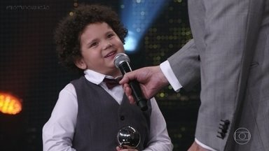 Davi Queiroz é o vencedor pela categoria 'Ator e Atriz Mirim' - Faustão bate papo com o novíssimo talento