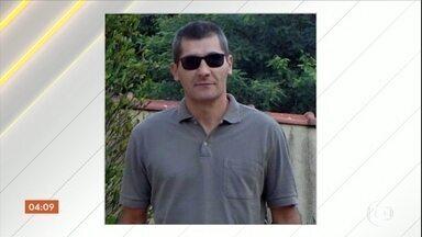 Investigadores querem descobrir origem de armas de atirador de Campinas - Os corpos das vítimas e do atirador que abriu fogo na Catedral Metropolitana de Campinas, em São Paulo, foram enterrados. Polícia está analisando pertences encontrados na casa do homem que matou cinco pessoas.