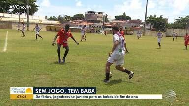 Jogadores se reúnem para organizar 'babas' em Salvador - De férias, os jogadores realizaram partidas de o fim de ano.