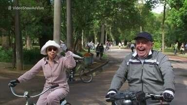 Confira um clipe com os passeios de bicicleta da telinha - Muitos personagens já se divertiram e se aventuraram sobre duas rodas!
