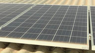 Energia solar ajuda a reduzir custos com a conta de luz - A Associação de catadores de Santa Terezinha de Itaipu já utiliza o sistema para economizar.