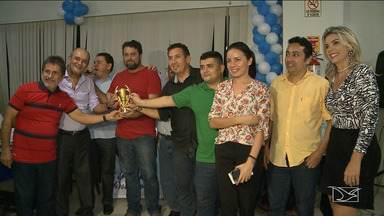 Confraternização da imprensa esportiva conta com homenagens, em São Luís - Representantes de clubes e da imprensa foram homenageados na capital maranhense