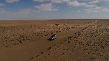 Surfe De Foil No Deserto